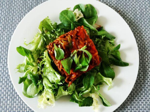 Gulasz pomidorowy z warzywami i mięsem