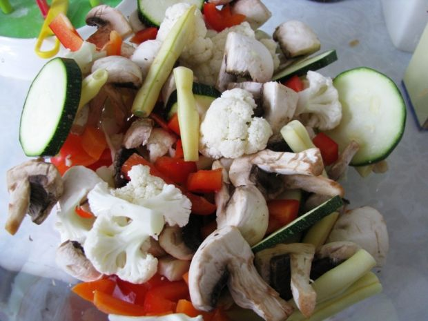 Gulasz warzywny z cukinią
