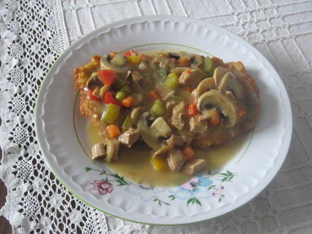 Gulasz wieprzowy z warzywami i pieczarkami