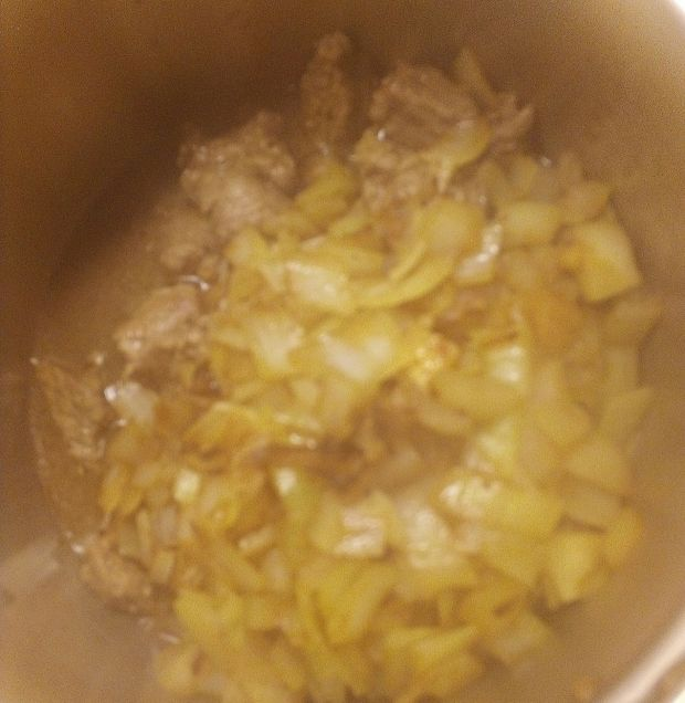 Gulasz wołowy z mrożonymi kurkami