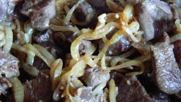 Gulasz wołowy z ziemniakami