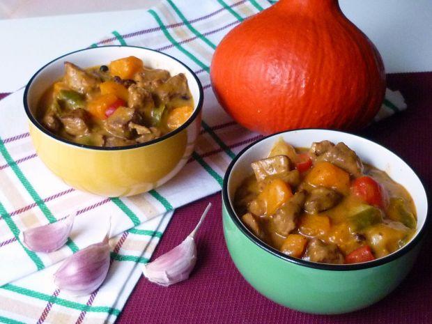 Gulasz z dynią i ziemniakami