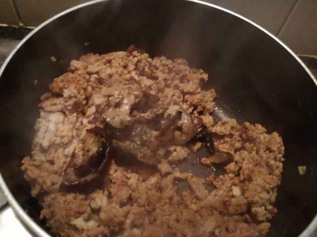 Gulasz z mięsa i bakłażana