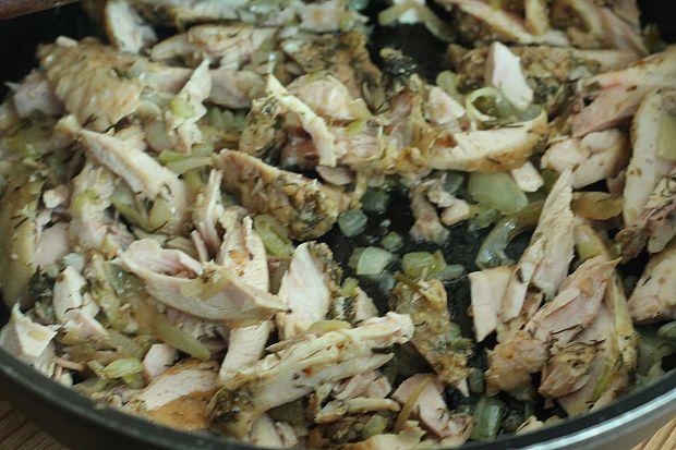 Gulasz z pieczonego kurczaka