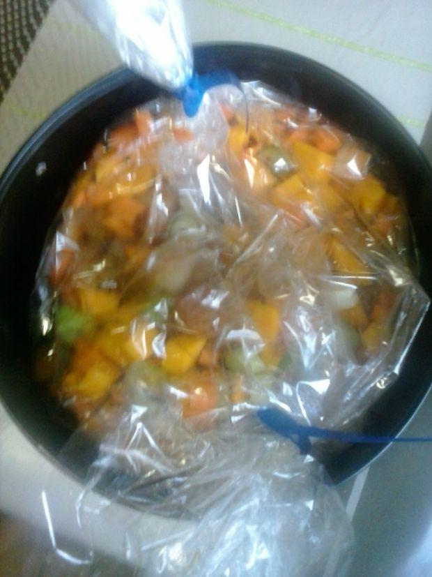 Gulasz z piersi kurczaka z dynią i warzywami