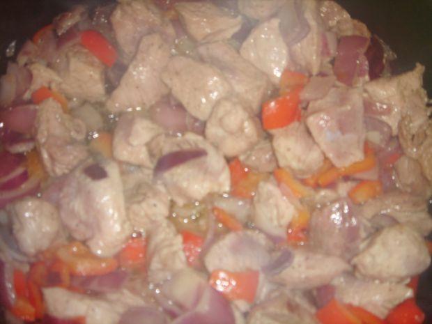 Gulasz z szynki z bukietem warzyw