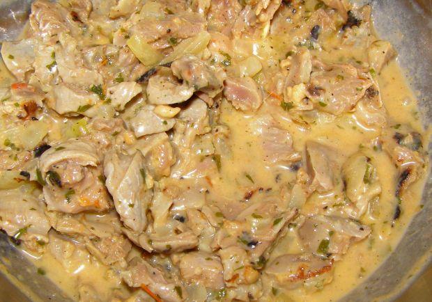 Gulasz z żołądków kurczaka z szybkowara