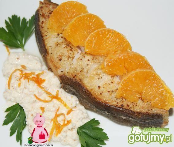 Halibut pomarańczowy z chrzanem