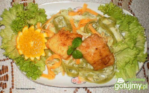 Halibut z Tagliatelle i sosem serowym
