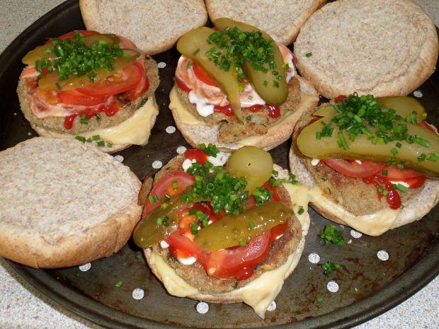 Hamburgery z innym burgerem