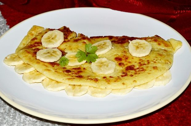 Herbaciany omlet z bananami