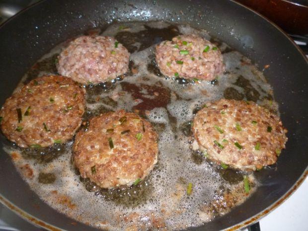 Hreczanyki czyli kotlety z kaszy gryczanej i mięsa