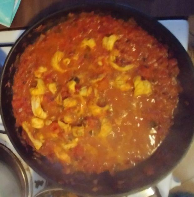Indyjskie curry z pomidorami i krewetkami