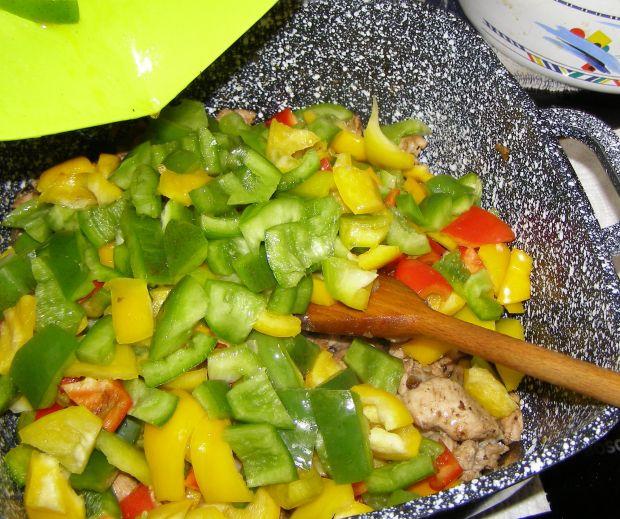 Indyk w musztardzie z gulaszem warzywnym