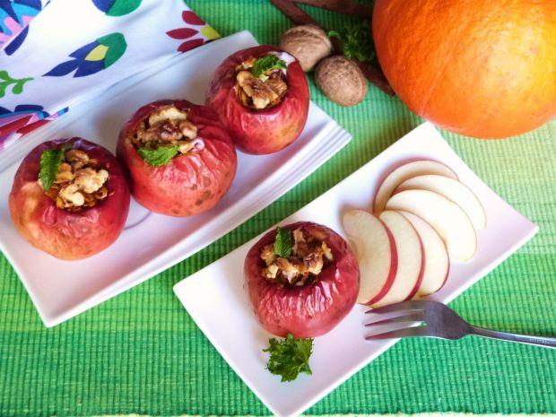Jabłka pieczone z dynią i orzechami