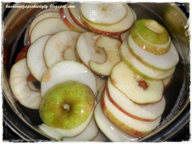 Jabłka suszone na zimowy kompot