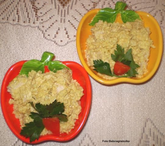 Jabłkowe curry z kurczaka z ryżem