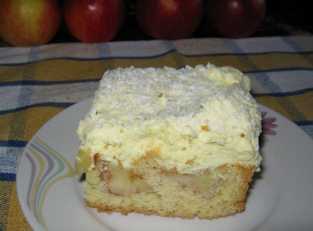 Jabłkowo budyniowe ciasto