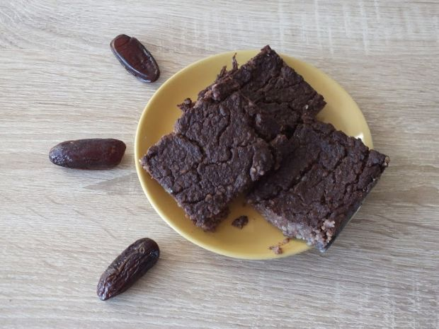 Jaglane brownie bananowo-daktylowe