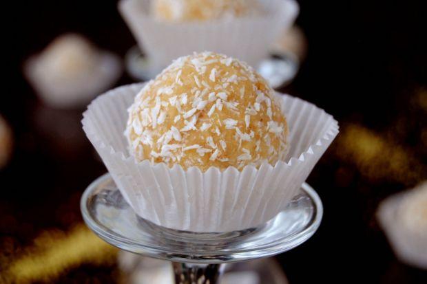 Jaglane trufle z nuta kokosu - Często robię je po prostu dzieciom w ramach słodkiego i zdrowego deserku!