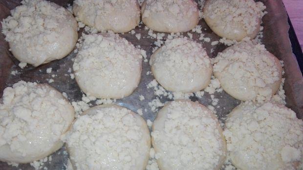 Jagodzianki z kokosową kruszonką
