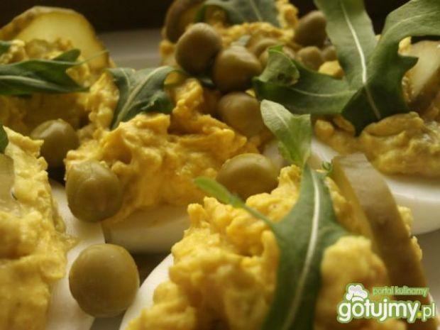 Jaja faszerowane curry