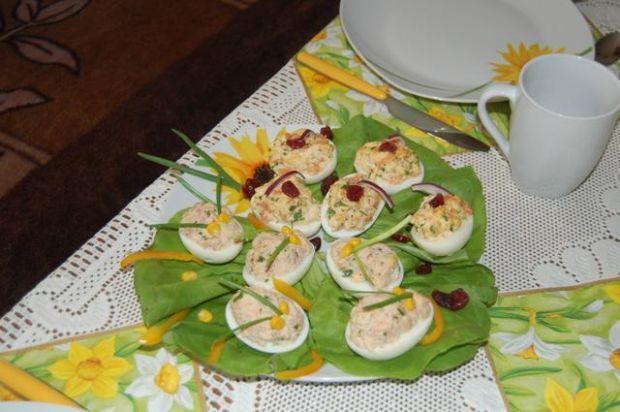 Jajeczka nadziewane łosoś i makrela