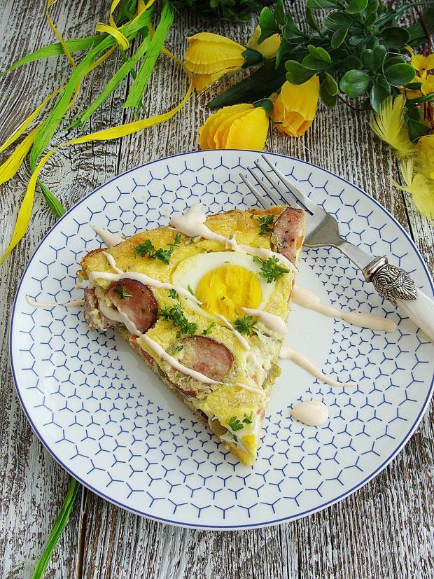 Jajeczna tarta z kiełbasą