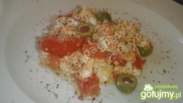 Jajecznica białkowa z pomidorami