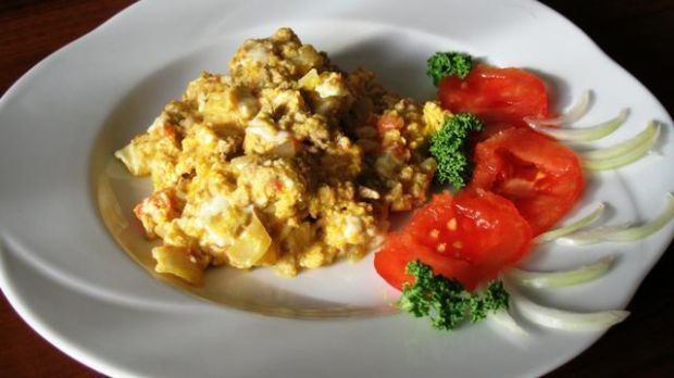 Jajecznica na pomidorach- melanż smaków
