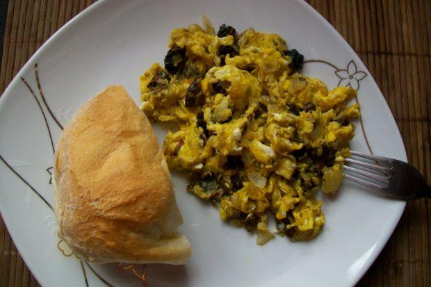 Jajecznica z kaniami
