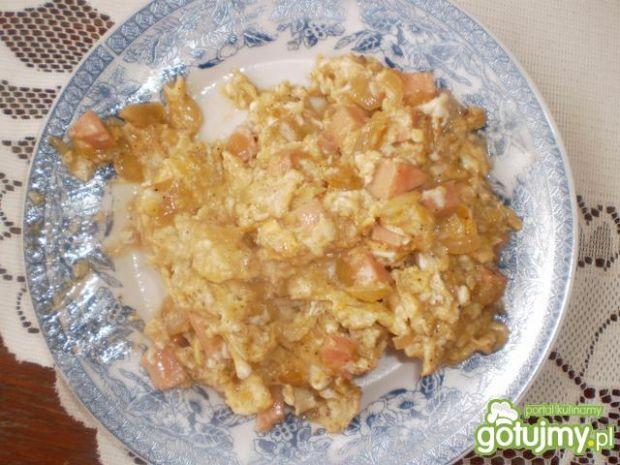 Jajecznica z kiełbaską