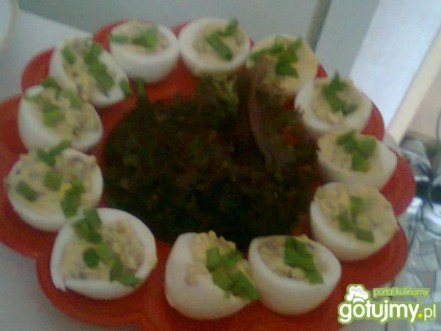 Jajka faszerowane farszem z pieczarek