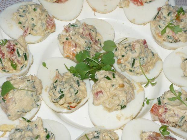 Jajka faszerowane koreczkami śledziowymi