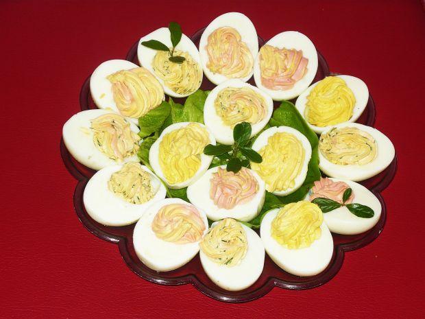 Jajka faszerowane pastą  chrzanową