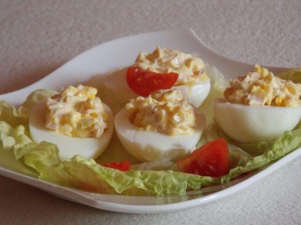 Jajka faszerowane szynką i kukurydzą