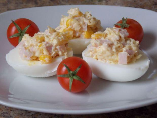 Jajka faszerowane szynką i serem