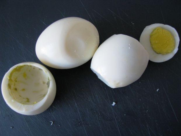 Jajka faszerowane w szynce włoskiej