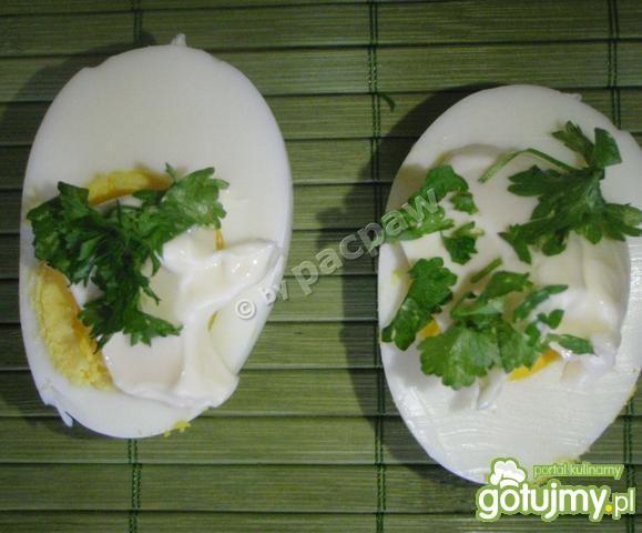 Jajka gotowane z pietruszką