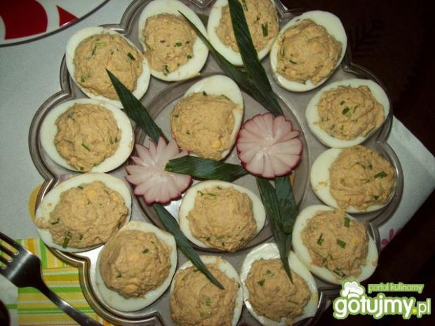 Jajka nadziewane pastą tuńczykową