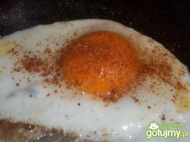 Jajka sadzone ze szparagami
