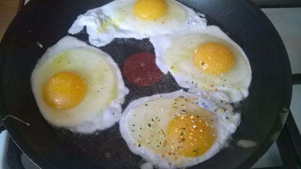 Jajka smażone na smalcu