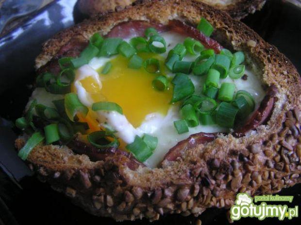 Jajka w niezwykłych kokilkach