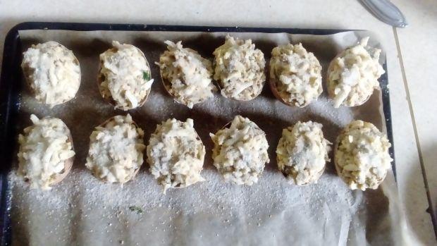 Jajka w skorupce faszerowane pieczarkami zapiekane
