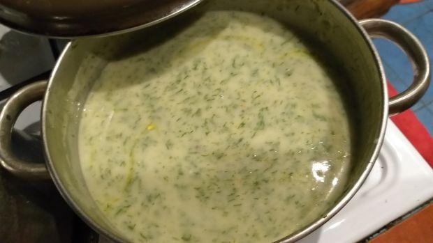Jajka w sosie  koperkowym ze śmietaną