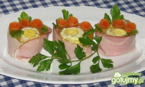 Jajka w szynkowych kubeczkach