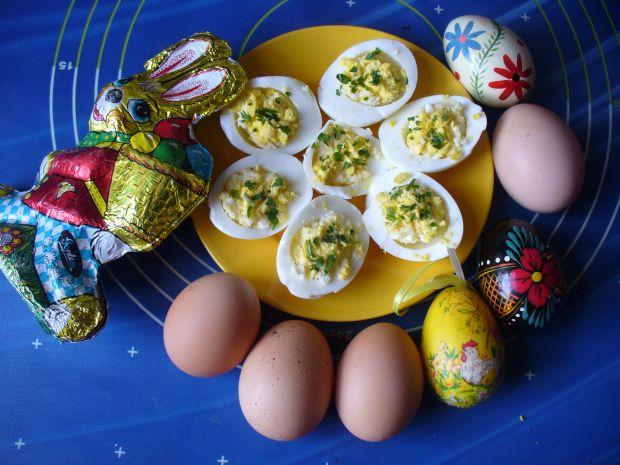 Jajka z chrzanem i natką