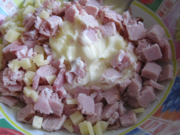 Jajka z sosem majonezowym z dodatkami