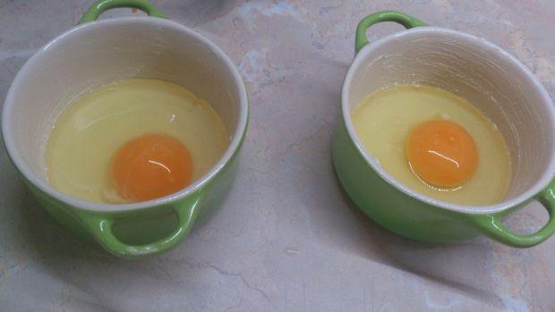 Jajka zapiekane pod kołderką