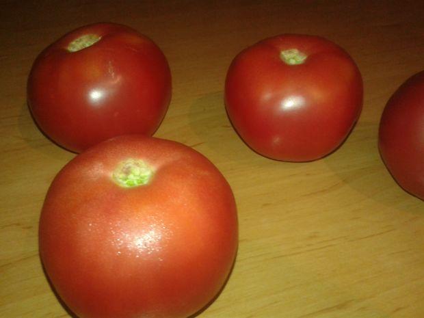 Jajka zapiekane w pomidorach